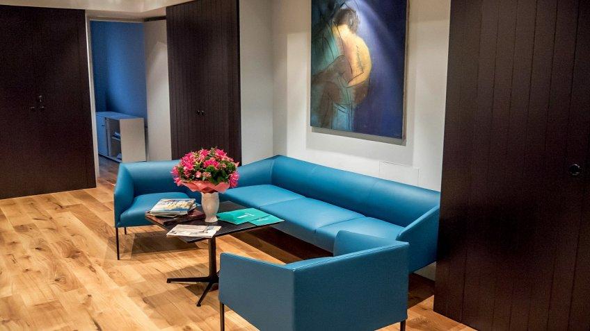 «Первая мебельная фабрика» поставит мебель в«Невскую ратушу»